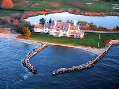 Katherine Hepburn's home   A Connecticut house by the sea