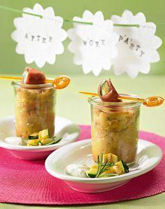 Kleine Kuchen aus dem Glas mit Fetakäse, Zucchini und Lachsschinken