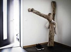 Tree Coat Hanger and other diy wood accents for the home :) White Interior Design, Diy Interior, Modern Interior, Rustic Wood Decor, Swedish House, Diy Holz, Wood Accents, Scandinavian Home, Home Accessories