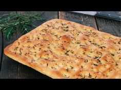 Focaccia is a delicious Italian flat bread flavored with a extra-virgin olive oil, rosemary and flaky sea salt for the classic version. Focaccia can be made . Bread Recipes, New Recipes, Spinach Cheese Dip, Skillet Bread, Lasagna Casserole, Dried Tomatoes, Bread Rolls, Dry Yeast, Dinner Rolls