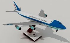 This airplane paper model is a Boeing of Boeing 747 series, the papercraft was created by Julius Perdana. The scale of the paper model is in T Paper Airplane Models, Model Airplanes, Paper Models, Paper Planes, Air Force Ones, Cebu Pacific, Paper Aircraft, Air Force Aircraft, Boeing 747