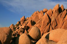 Rock formation in Joshua Tree National Park.The rocks that look like balls are called giant marbles.