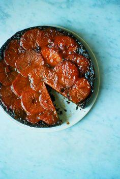 Persimmon & Ginger Upside-Down Cake [apt2bbakingco] Fruit Recipes, Dessert Recipes, Bake My Cake, Happy Fruit, Joy Of Cooking, Pastel, Sweet Cakes, Cake Cookies, Just Desserts