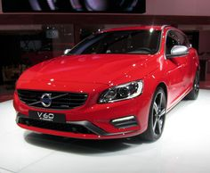 Red Volvo V60