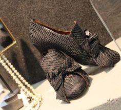 Shoes, Fashion, Black Shoes, 18th Century, Moda, Zapatos, Shoes Outlet, La Mode, Fasion