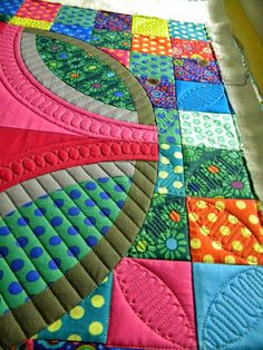 Quilting Peek! from Sew Kind Of Wonderful. I love it and hope to see it someday in person!