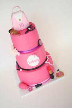 Spa cake makeup fashion