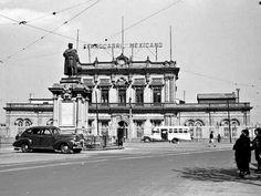 Antigua estación de Ferrocarriles de la Ciudad de México. Foto tomada probablemente a finales de los años 30's.