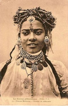 Moroccan woman - Ceremonial costume