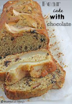 Torta di pere e scaglie di cioccolato / Pear cake with chocolate flakes recipe | Breakfast at Tiffany's