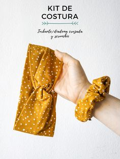 Kit de costura para coser una diadema/turbante y un coletero scrunchie. Elige el estampado y la talla de la diadema. Surgical Caps, Diy Crafts Jewelry, En Stock, Diy Tutorial, Couture, Sewing, Pattern, Blog, Handmade