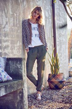 Dieser Blazer versprüht ordentlich Ethno-Flair und ist ein absolutes Highlight in jedem Outfit!