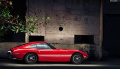 A Living Legend - Toyota 2000GT by mojocoggo, via Flickr