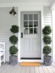 Painting your front door is one of the best ways to add curb appeal to your home. Get inspired by these tried and true front door paint colors! Best Front Door Colors, Best Front Doors, Grey Front Doors, Front Door Paint Colors, Painted Front Doors, Exterior Paint Colors, Exterior House Colors, Exterior Doors, Exterior Design