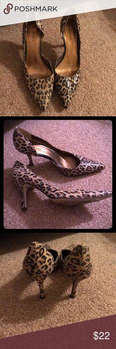 AK Anne Klein Christa Snakeskin Leopard Heels AK Anne Klein Christa -  Snakeskin Leopard Heels - Very sexy, yet a true neutral...goes great with red, black, brown & denim. In nice pre-loved condition. ❤️ Anne Klein Shoes Heels