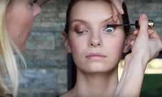 Tips to Perfect Mascara Application   Long Night? Look Well-Rested with These 5 Eye Makeup Tricks, check it out at http://makeuptutorials.com/eye-makeup-tricks/