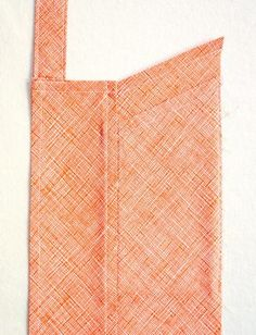 Cross Back Apron Scrap Fabric Projects, Easy Sewing Projects, Fabric Scraps, Sewing Hacks, Apron Pattern Free, Sewing Patterns Free, Apron Patterns, Dress Patterns, Japanese Apron