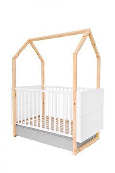 Centralnym punktem każdego pokoiku dziecięcego jest łóżeczko, które oprócz snu i odpoczynku jest wykorzystywane do zabawy. Dzięki praktycznym rozwiązaniom łóżeczko Pinette jest bezpieczne i przyjazne dla rozwoju dziecka. Drewniana  konstrukcja w kształcie domku, jest motywem ponadczasowym i naturalnym.  Można ją wykorzystać do zawieszenia mobili, lampek czy innych elementów  stymulujących rozwój dziecka, do zawieszenia moskitiery chroniącej  przed owadami czy baldachimu tworzącego…
