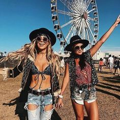 ‍♀️| Via: @imnotsorrydarling    Visit www.EYEPSTER.com for your next pair of #Festival #Fashion #Sunglasses - #Eyepster #coachella #outfits #springstyle - Shop @Eyepster
