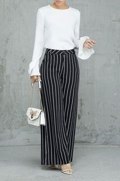 Palazzo Pants Outfit For Work. 14 Budget Palazzo Pant Outfits for Work You Should Try. Palazzo pants for fall casual and boho print. Stylish Summer Outfits, Classy Outfits, Casual Outfits, Work Outfits, Fashion Pants, Look Fashion, Fashion Outfits, Spring Fashion, Womens Fashion