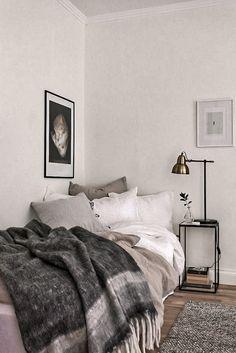 Bedroom Apartment, Home Decor Bedroom, Bedroom Ideas, Apartment Layout, Apartment Ideas, Men Apartment, Bedroom Plants, Apartment Interior, Bedroom Furniture
