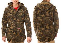 """Men's Hooded Camo Button-Front Fishtail Shoulder Strap M65 Jacket Текстильная мужская полевая куртка М65 камуфляжной расцветки с капюшоном, на пуговицах до низа с погонами, подол """"рыбий хвост"""", отделка нашивками."""