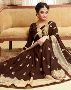 Small Necklace, High Resolution Wallpapers, Saree Shopping, Net Saree, Silk Sarees Online, Indian Models, Fancy Sarees, Indian Fashion, Women's Fashion