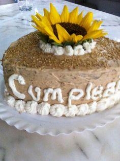 Vanilla Cake with Caramel & Sunflower