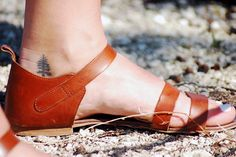 love the tattoo and sandal