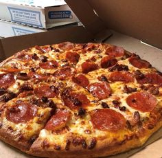 Domino's Knocks 50 Percent Off All Online Pizza Orders - PMQ Pizza Magazine B Food, Love Food, Mochi, Online Pizza, Just Pizza, Food Goals, Recipes From Heaven, Aesthetic Food, Healthy Eating Recipes
