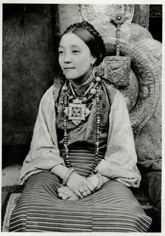 Young Tibetan woman from Darjeeling