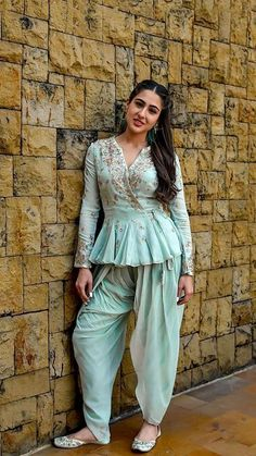 fake actress sara ali khan image at DuckDuckGo Dress Indian Style, Indian Dresses, Indian Outfits, Indian Attire, Indian Wear, Dhoti Salwar Suits, Indian Designer Suits, Kurti Designs Party Wear, Party Wear Dresses