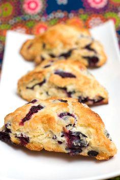 Sugar & Spice by Celeste: Blueberry Scones Breakfast Time, Breakfast Recipes, Dessert Recipes, Breakfast Ideas, Breakfast Scones, Blueberry Scones, Blueberry Recipes, Sandwiches, Baking Recipes