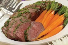 Bistro Beef Loin- Although its a fantastic dinner-party dish, leftovers the next day are pure heaven. Slow Cooker Beef Tenderloin, Beef Loin, Beef Tenderloin Recipes, Beef Fillet, Beef Steaks, Pork Roast, Slow Cooker Recipes, Beef Recipes, Cooking Recipes