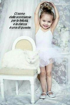 Cute little ballerina girl wearing white tutu. 2 Kind, Baby Kind, Baby Love, Little People, Little Ones, Little Girls, Beautiful Children, Beautiful Babies, Dance Photography