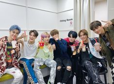 icon * icons * aesthetic * nct aesthetic * nct edit * nct icon * dark aesthetic * nct * nct 127 * nct u * nct dream * wayv * Nct Dream, Nct 127, Astro Mj, Young K, Johnny Seo, Huang Renjun, Jeno Nct, Fandoms, Mark Lee