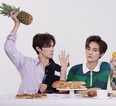 Attention, this is a Nct Smut (sexual) reactions of Nct/Wayv imagined… Winwin, Nct 127, Meme Pictures, Reaction Pictures, Taeyong, Jaehyun, All Meme, Random Meme, Meme Meme