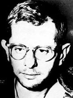 """In the late 1950s, Harvey Murray Glatman received the death penalty for kidnapping, raping and murdering three women. Glatman was one of the first """"signature killers"""" in the U.S. whose crimes were studied by criminal psychologist. His signature was to bind, torture and photograph the murders."""