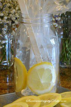 Making a Lemon Vase - A Super Simple Summer Arrangement Lemon Centerpieces, Bridal Shower Centerpieces, Mason Jar Centerpieces, Lemon Vase, Vases Decor, Table Decorations, Flower Arrangements Simple, Vase Crafts, Unique Bridal Shower