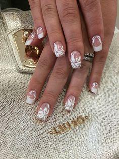 Wedding nails Un giorno speciale nelle tue mani