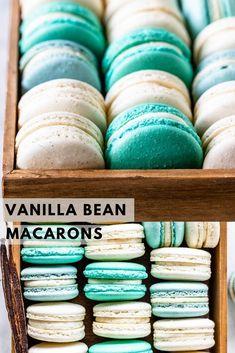 Best Macaroon Recipe, French Macaroon Recipes, Macaron Recipe, Delicious Cookie Recipes, Yummy Cookies, Sweet Recipes, Vanilla Macarons, Vanilla Buttercream, Vanilla Paste