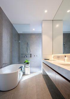 Model Glass Bathroom floor In Your Inspiration – Diy Bathroom İdeas Ensuite Bathrooms, Glass Bathroom, Diy Bathroom Decor, Grey Bathrooms, Bathroom Layout, Modern Bathroom Design, Bathroom Interior Design, White Bathroom, Bathroom Renovations
