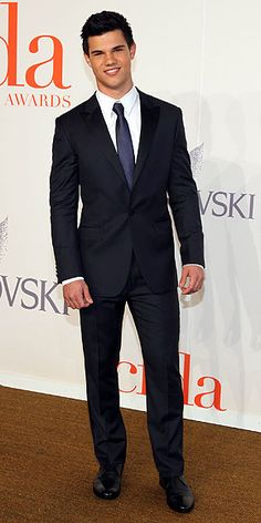 A man in a fitted suit...one of the sexiest things ever.
