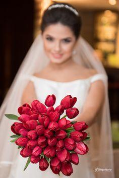 Buque de Tulipas vermelhas em Curitiba. Bouquet Tulip