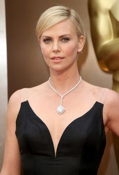 The day of the Oscars Joanna Vargas gave a facial to Charlize Theron and Allison Williams to prep them for their red carpet events.
