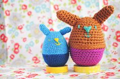 Check out this simple bunny egg cozy GoodKnits made with Bonbons yarn.