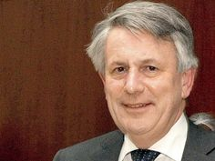 India needs to be in top 5 in our oil products business: Ben Van Beurden CEO Royal Dutch Shell We have a licence to build 2000 retail sites here. Weve only done 88 so far. But now that we have seen the playing field we are stepping up growth he said. http://ift.tt/2FcgSwV