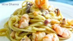 Carbonara di pesce con pancetta affumicata, gamberi, calamari e uova. Ricetta