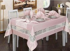 This Pin was discovered by hil Dining Table Chairs, Table Linens, Burlap Table Runners, Deco Table, Table Toppers, Home Hacks, Soft Furnishings, Home Textile, Table Settings
