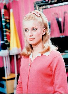 Inspired by the saturated colours in this film, the quirkiness of singing everything, the style, the music Les Parapluies de Cherbourg #CatherineDeneuve